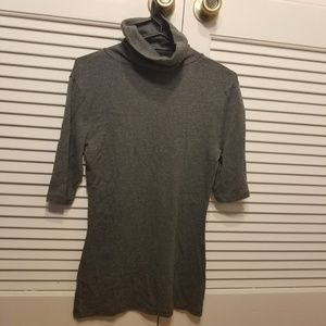 Gray Mossimo short-sleeve turtleneck (M)